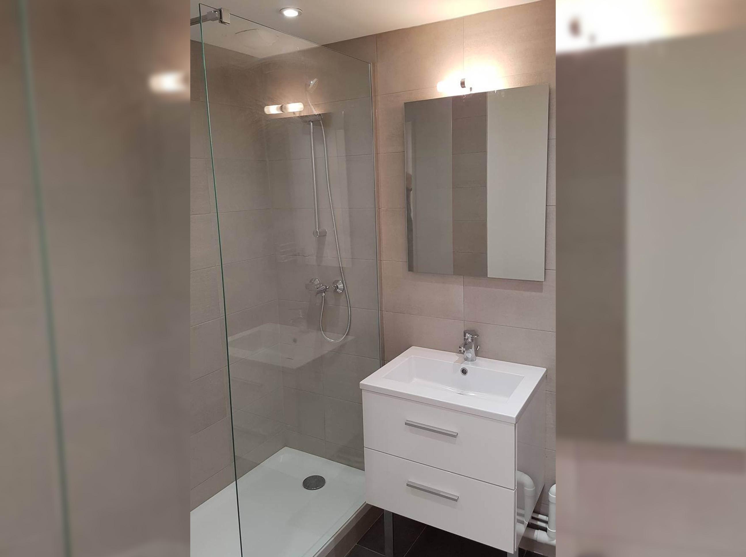 Plombier : rénovation de salle de bain à Vénissieux